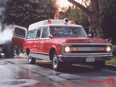 chevy ambulance ✏✏✏✏✏✏✏✏✏✏✏✏✏✏✏✏ IDEE CADEAU / CUTE GIFT IDEA ☞ http://gabyfeeriefr.tumblr.com/archive ✏✏✏✏✏✏✏✏✏✏✏✏✏✏✏✏