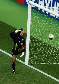LOBBED  'We didn't know how good Ronaldinho was' – Former England goalkeeper David Seaman on THAT 2002 World Cup goal