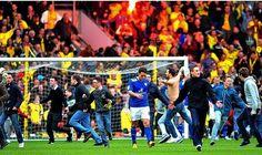 Leicester-Watford 3 anni dopo: dalle fiamme dell'inferno agli angeli del paradiso - http://www.maidirecalcio.com/2015/11/07/leicester-watford-3-anni-dopo-dalle-fiamme-dellinferno-agli-angeli-in-paradiso.html