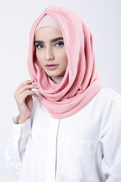 Pink Muslim Women, Lacoste, Shawl, Hoodie, Ann, Shopping, Fashion, Cowl Neck Hoodie, Moda