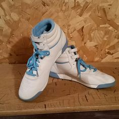 c3b50ee31522 Reebok Classics These Reebok Classics have only been worn a few