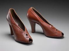 """Woman's orange-brown leather pumps with decorative punching side details, open toe, and inch heel. Labelled """"Vigor-Mode Combination Last"""" Peep Toe Shoes, Pump Shoes, Shoe Boots, 1930s Women's Clothing, Vintage Clothing, Suede Pumps, Leather Pumps, Vintage Boots, Vintage Style"""