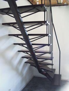 Treppe mit Mittelholm