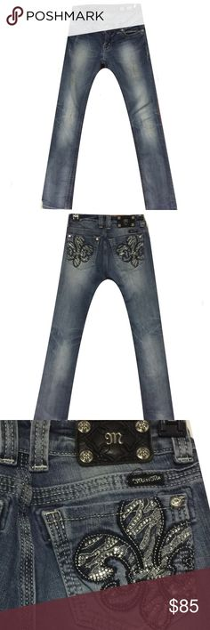 """•Miss Me Denim Jeans• Worn once gorgeous miss me jeans!! These are the straight leg style with lots of bling!! Makes that """"perfect gift"""" Miss Me Jeans Straight Leg"""
