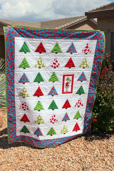 !Sew WE Quilt!: It's our first day and we are at 43 blocks THINK CHRISTMAS