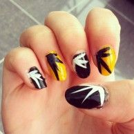 General : Cool DIY Black and White Paisley Nail Art Design Idea For Urban Themed Nails | black and white nail art for short nails, black and white nail art ideasm, black and white nail art pens, black and white nail art pictures, black and white nail art tutorial, how to do black and white nail art, how to do simple nail art designs, nail art tutorial for beginners, nail art tutorial step by step