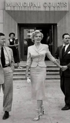 Marilyn testifies June; 1952 against men who have used her name for publicity