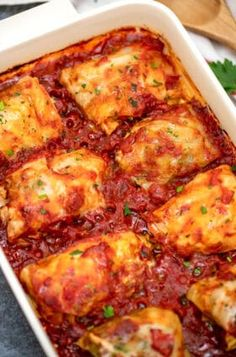 Stuffed Cabbage Rolls Recipe [Video] - Sweet and Savory Meals Beef Dishes, Food Dishes, Main Dishes, Ground Beef Recipes, Casserole Recipes, Pizza Casserole, Chicken Casserole, Soup Recipes, Gourmet