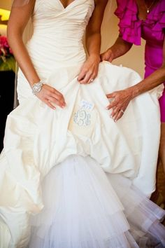 Louisville Wedding Blog - The Local Louisville KY wedding resource: Daily Wedding Bits 9 Creative Wedding Photo Ideas