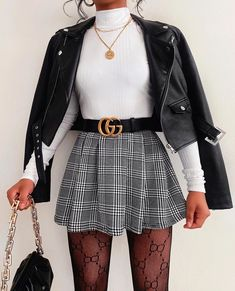 Cute Skirt Outfits, Girly Outfits, Cute Casual Outfits, Pretty Outfits, Stylish Outfits, Outfit With Skirt, Houndstooth Skirt Outfit, Mini Skirt Outfit Winter, Cute Party Outfits