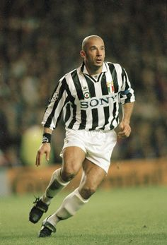 But Gianluca Vialli's transfer to Juventus soon eclipsed it Best Football Players, World Football, Soccer Players, Football Team, Jean Pierre Papin, Christian Vieri, Gianni Agnelli, Soccer Cards, Juventus Fc