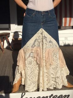 Bohemian Lace and Denim Skirt Made in the USA Bohemian Denim and lace skirt made from vintage lace very feminine and comfortable to to wear,looks great with western boots,or barefoot. Would even be nice for a western theme wedding. This is my new design f Diy Lace Jeans, Denim And Lace, Vintage Skirt, Vintage Denim, Vintage Lace, Denim Fashion, Skirt Fashion, Demin Skirt, Lace Skirt