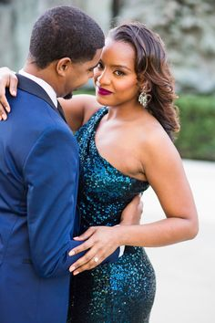 Alyzza and David Worked the Red Carpet For Their Glam Engagement Shoot, and We're Seeing Stars Elegant Engagement Photos, Fall Engagement Shoots, Engagement Photo Poses, Engagement Photography, Wedding Photos, Engagement Pictures, Photography Ideas, Couple Photoshoot Poses, Couple Posing