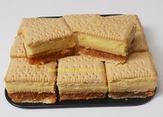 Prajitura cu biscuiti,mere si crema de vanilie Cake Recipes, Vegan Recipes, Romanian Food, Romanian Recipes, Cornbread, Yogurt, Cheesecake, Food Porn, Food And Drink