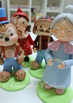 Peças em biscuit Chapeuzinho Vermelho!Decoração de mesa by Alessandra Caldeira Biscuit, via Flickr