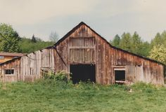 Old Western-style barn, Marysville, WA 1987. Photo by M. McKay