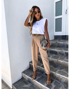 Casual Work Outfit Summer, Stylish Summer Outfits, Classy Outfits, White Tshirt Outfit Summer, Chic Summer Style, Stylish Work Outfits, Relaxed Outfit, Fall Outfits For Work, Mode Outfits