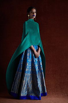 Bridesmaids Outfit Idea :- Wanderlust Fashion Hey all the Bridesmaids to be here are some fun and amazing Outfit Idea for all kind of w. Abaya Fashion, Modest Fashion, Indian Fashion, Fashion Dresses, Womens Fashion, 80s Fashion, Korean Fashion, Fashion Trends, Indian Dresses