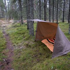 The oilskin tarp is marvelous, love the square shape. #bushcraft #oilskin #tarp