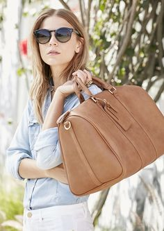 Classic weekender bag for spring & summer getaways | Sole Society Cassidy