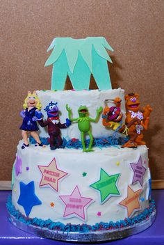 Muppets Party Cake #muppets #cake..i love my frog!!!  Love to have this cake!!   :)   cute