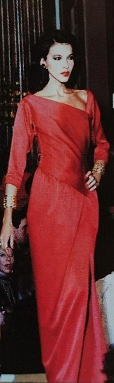Janvier 1986. Haute couture été 1986. L Officiel 1000 modèles.