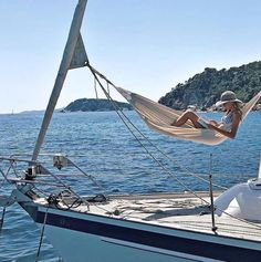 Top Gulet Charter Italy by Yacht Boutique Gulet Victoria. European Summer, Italian Summer, French Summer, Vacaciones Gif, Summer Vibes, 1000 Lifehacks, Family Boats, Summer Dream, Travel Aesthetic