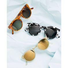 Sun's out. @komono @illesteva @super_sunglasses