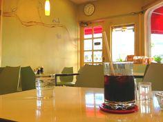 アメリカ村の喫茶店 小さな小さな喫茶店  こんなばしに昭和の香りが残ってる