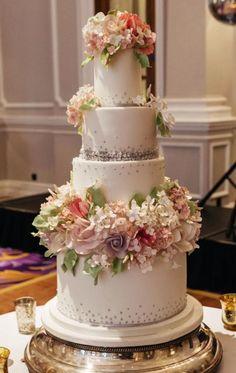 Wedding cake idea; Featured Photographer: Cameo Photography, Featured Cake: Cakes by Krishanthi