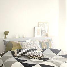 Die grafischen Muster der Tagesdecke von ferm Living ist ein wahrer Hingucker!