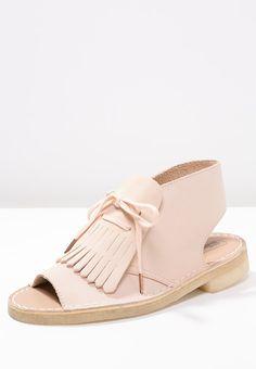 Clarks Originals DESERT KILTIE - Sandals - light pink for £95.00 (06/04/16) with free delivery at Zalando