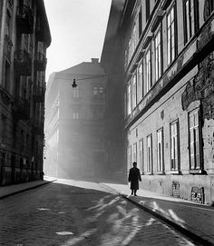 by Kozák Lajos Hungarian Museum of Physical Culture and Sports, Budapest, 1940 Monochrome Photography, Black And White Photography, Street Photography, Vintage Photographs, Vintage Images, Masters, That Old Black Magic, Inner World, Call Art