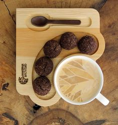 Ahşap kahve ve çay servisi. Kurabiyelik ve çikolata kaşıklık