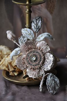 """Купить Скидка в блоге! Брошь-цветок """"Французский шарм"""" - бежевый, пудровый, серебристый, золотистый"""