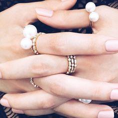 ARISTIDES FINE JEWELS sur Instagram: Always beautiful ... Perle of June... @clairearistides #clairearistidesjewelry #perleofjune #firenze #yellowgold