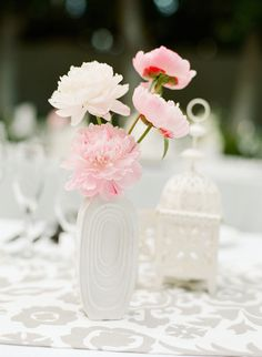#peony, #centerpiece  Photography: Lane Dittoe Photography - lanedittoe.com/ Floral Design: Artisan Events - artisanevents.net/  Read More: http://stylemepretty.com/2013/07/23/palm-springs-wedding-at-the-viceroy-from-lane-dittoe/