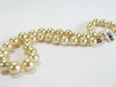 Classic! Golden South Sea pearl necklace, 13.5mm x 10mm #pearls #classic #wickliffauction #necklace