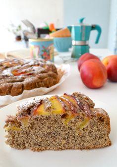 L'estate è la stagione perfetta per gustare la torta di grano saraceno e pesche! Ecco il link con la ricetta e... non solo! http://www.lafigurina.com/2016/07/torta-grano-saraceno-pesche-nettarine/