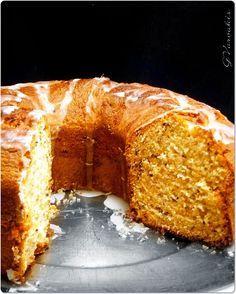 """Το έφτιαξα πολλές φορές μέχρι να καταλήξω. Η προσπάθεια έφερε καταπληκτικά αποτελέσματα και μια γεύση ...αποθεωτική!!!! Κι επειδή """" ... Greek Sweets, Greek Desserts, Greek Recipes, Sweets Recipes, Cake Recipes, Greek Cake, The Kitchen Food Network, Cake Bars, Time To Eat"""