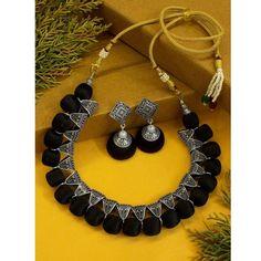 Silk Thread Earrings Designs, Silk Thread Necklace, Fabric Earrings, Thread Jewellery, Beaded Choker Necklace, Necklace Designs, Necklace Set, Beaded Necklaces, Women's Jewelry