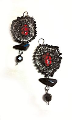 Carmen earrings Red coral Crochet black wire