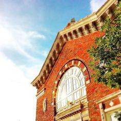 citygoggles: The beautiful University of Cincinnati!  #citygoggles#cincygram#igerscincinnati#cincy#ohio#ohiogram#uofcincygram#uofcincy#uc#exploreohio#buildings#color#architecture#clifton
