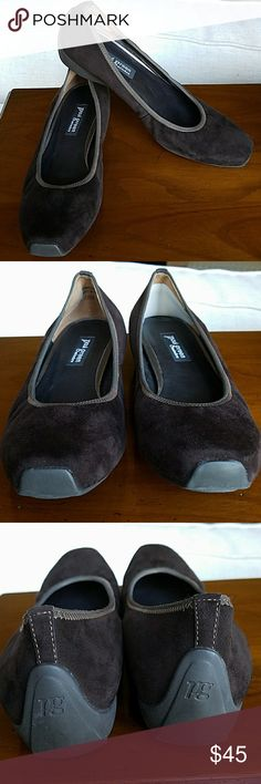EUC Paul Green brown suede ballerina flats Almost like new. Incredibly comfortable! Size 6 Austrian, or 8.5 U.S.  Heel pad on left shoe that can be removed. Paul Green Shoes Flats & Loafers