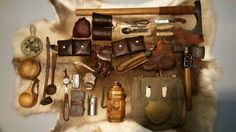 Vintage bushcraft techniques that all survival hardcore will certainly wish to learn right now. This is essentials for bushcraft survival and will defend your life. Bushcraft Backpack, Bushcraft Skills, Bushcraft Gear, Bushcraft Camping, Bushcraft Equipment, Camping Equipment, Camping Gear, Camping Hacks, Backpacking
