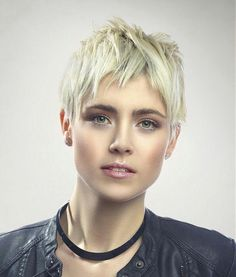 What do you think of her messy pixie?