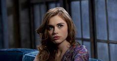 Lydia devra se battre contre elle-même afin de pouvoir sauver ses amis dans l'épisode 13 de Teen Wolf saison 5. Pourras-t-elle les sauver ??