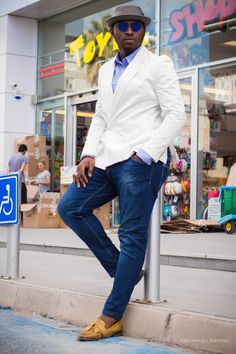 Dressing to Dine: Casual | Arct5000