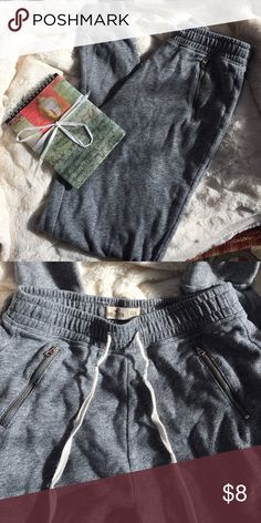 Hollister lounge pants. Cute and comfy. Soft materiel perfect for sleeping and lounging all day!  Drawstring with cute zipped side pockets! Hollister Pants Straight Leg