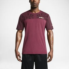 LeBron AC/AT Men's T-Shirt. Nike Store